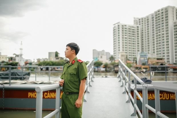 Gặp cậu lính cứu hoả suốt đêm chữa cháy ở cảng Sài Gòn: 5h30 sáng mình rời hiện trường để kịp 7h vào thi Lý - Ảnh 5.