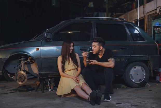 Ưng Hoàng Phúc bị bạn gái cắm sừng, chủ mưu gọi xã hội đen đánh không thương tiếc trong MV mới - Ảnh 2.