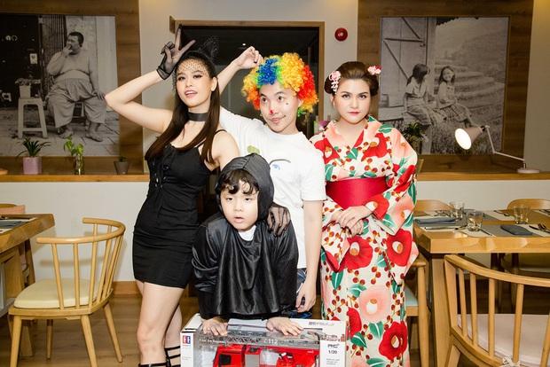 Trương Quỳnh Anh hoá miêu nữ gợi cảm, cùng Tim tổ chức sinh nhật cho con trai - Ảnh 15.