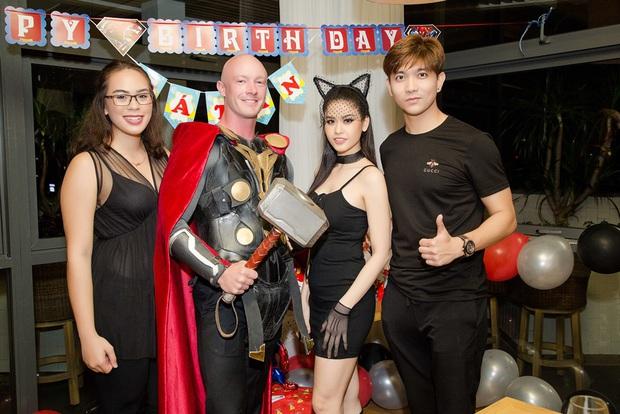 Trương Quỳnh Anh hoá miêu nữ gợi cảm, cùng Tim tổ chức sinh nhật cho con trai - Ảnh 14.