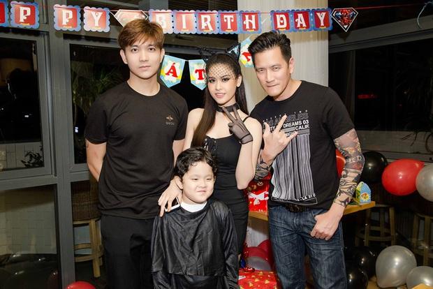 Trương Quỳnh Anh hoá miêu nữ gợi cảm, cùng Tim tổ chức sinh nhật cho con trai - Ảnh 13.