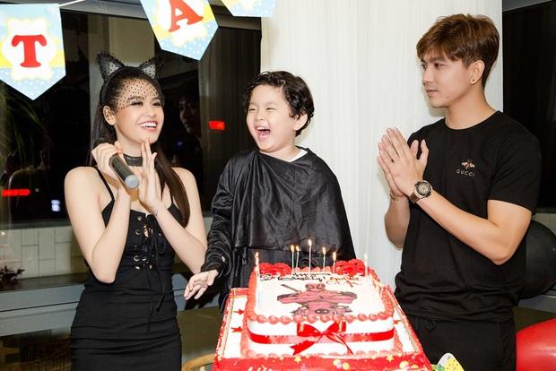 Trương Quỳnh Anh hoá miêu nữ gợi cảm, cùng Tim tổ chức sinh nhật cho con trai - Ảnh 7.