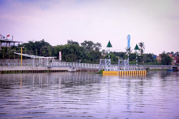 Cận cảnh bến buýt đường sông đầu tiên ở Sài Gòn sẽ hạ thủy vào tháng 9 - Ảnh 4.