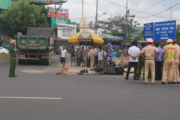 Đà Nẵng: Bé trai 10 tuổi bị xe tải cán tử vong thương tâm, mẹ nguy kịch - Ảnh 1.