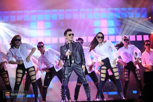Clip: Khoác áo mới cho Duyên phận, Quang Hà đốt cháy sân khấu cùng loạt vũ công nóng bỏng - Ảnh 13.