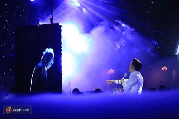 Clip: Khoác áo mới cho Duyên phận, Quang Hà đốt cháy sân khấu cùng loạt vũ công nóng bỏng - Ảnh 9.