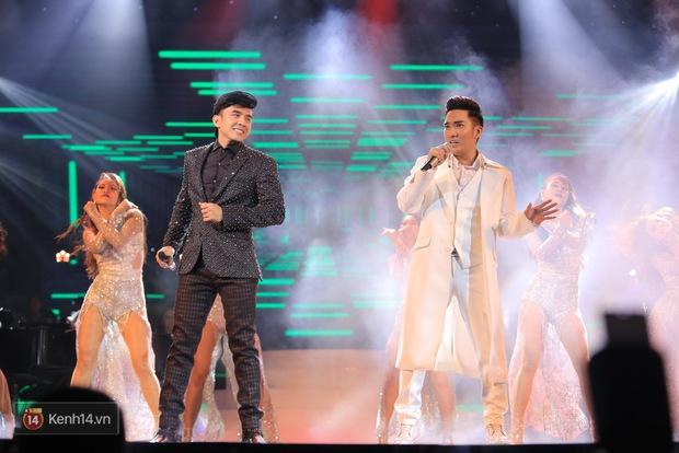 Clip: Khoác áo mới cho Duyên phận, Quang Hà đốt cháy sân khấu cùng loạt vũ công nóng bỏng - Ảnh 8.