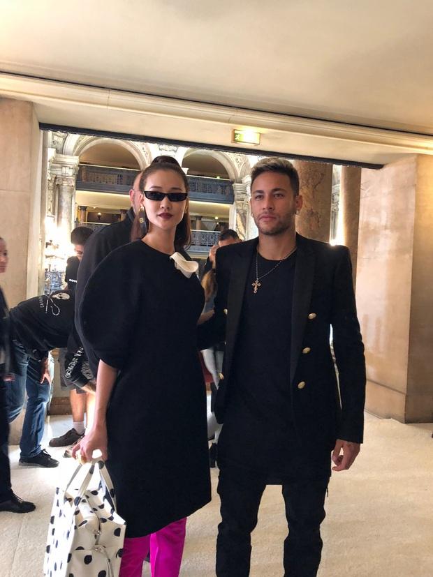 Nghi vấn Maya khoe ảnh dự show Balmain tại Paris Fashion Week, nhưng chỉ là đến chụp ảnh rồi đi về - Ảnh 10.