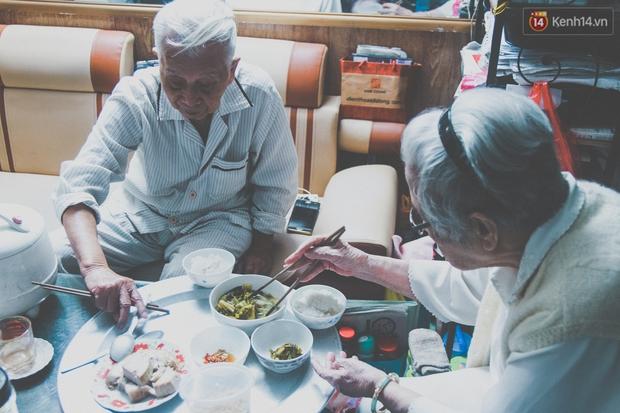 Tình yêu hơn 70 năm của cặp vợ chồng già Hà Nội từng gây sốt với bộ ảnh Em ơi có bao nhiêu - 90 năm cuộc đời - Ảnh 7.