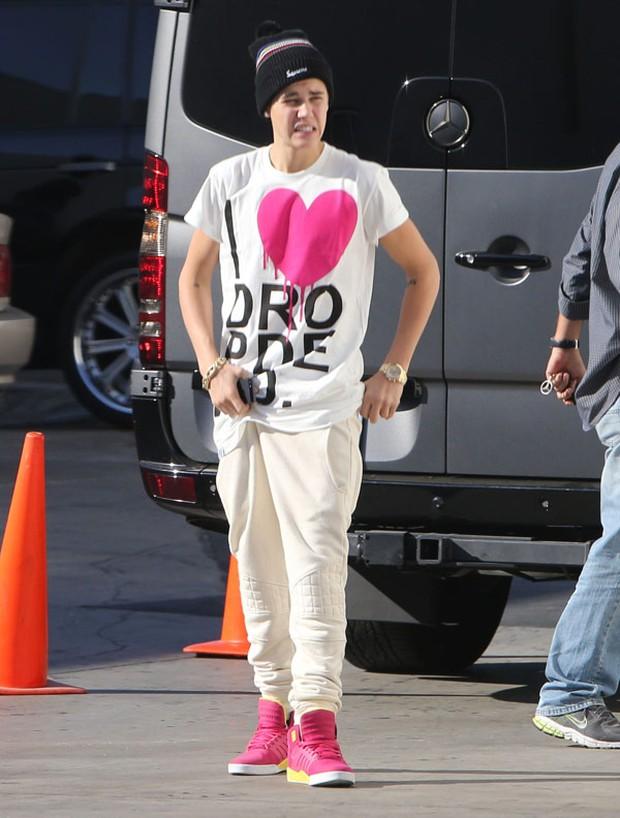 Giày của Justin Bieber chính xác là đôi giày hồng chất nhất hè này! - Ảnh 8.