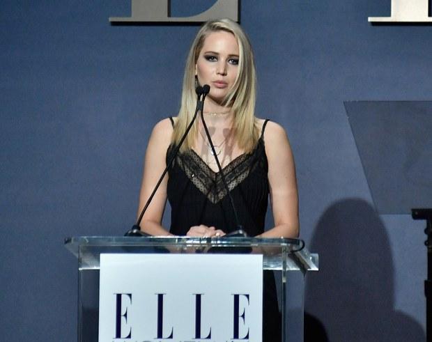 Jennifer Lawrence vạch trần mặt tối Hollywood: Tôi từng bị ép khỏa thân tập thể và bị gạ tình - Ảnh 2.