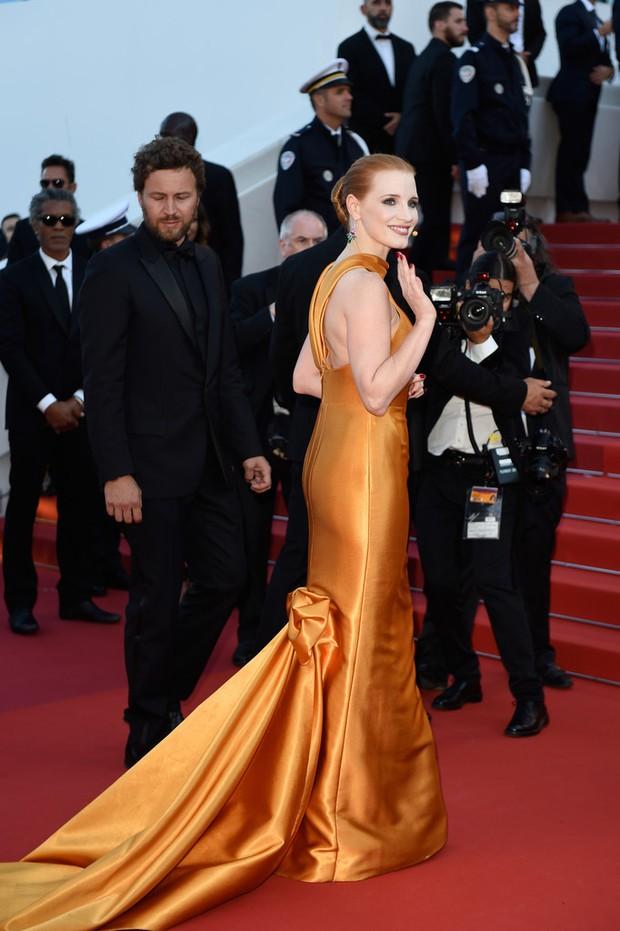 Phạm Băng Băng gây thất vọng, bị Elle Fanning dìm hàng toàn tập tại Cannes! - Ảnh 16.