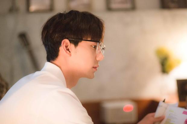 Chi Pu đóng vai nhạc sĩ, cặp kè người tình MV Jin Ju Hyung trpong phim điện ảnh Việt - Hàn - Ảnh 2.