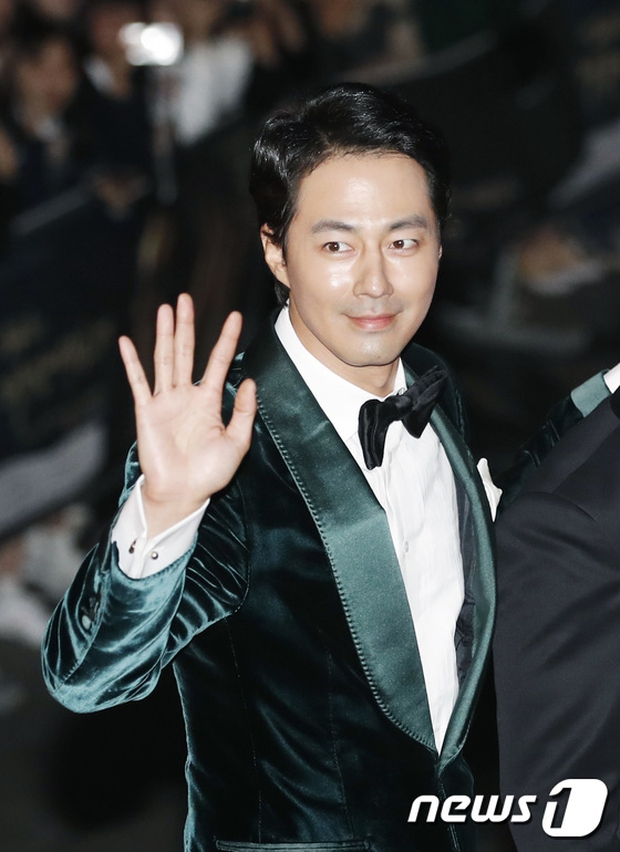 Thảm đỏ Oscar Hàn Quốc: Hoa hậu gây sốc với ngực siêu khủng, Yoona và Jo In Sung dẫn đầu dàn siêu sao - Ảnh 19.