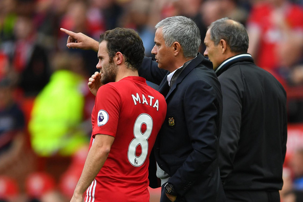Man Utd đón tin cực xấu từ Juan Mata - Ảnh 2.