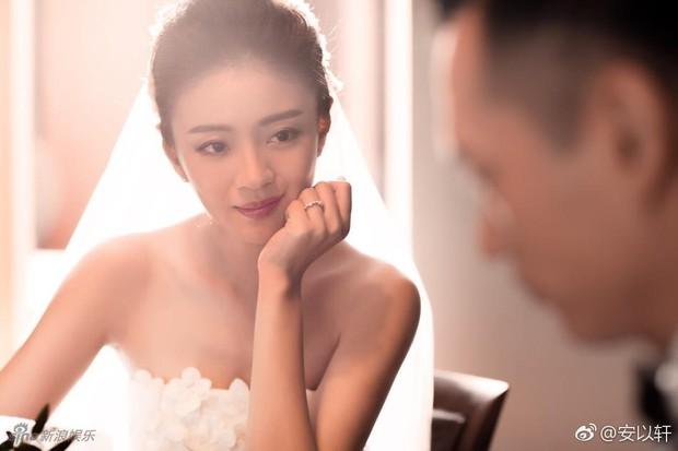 Sở hữu gia sản tỷ đô, bạn trai đại gia lại cầu hôn An Dĩ Hiên với nhẫn cưới làm từ... vỏ lon nước ngọt - Ảnh 2.