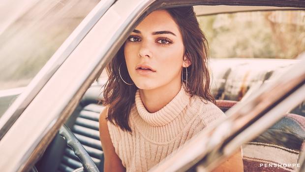 Sau tất cả, Kendall Jenner cũng được tôn vinh là Biểu tượng thời trang của thập kỷ - Ảnh 2.