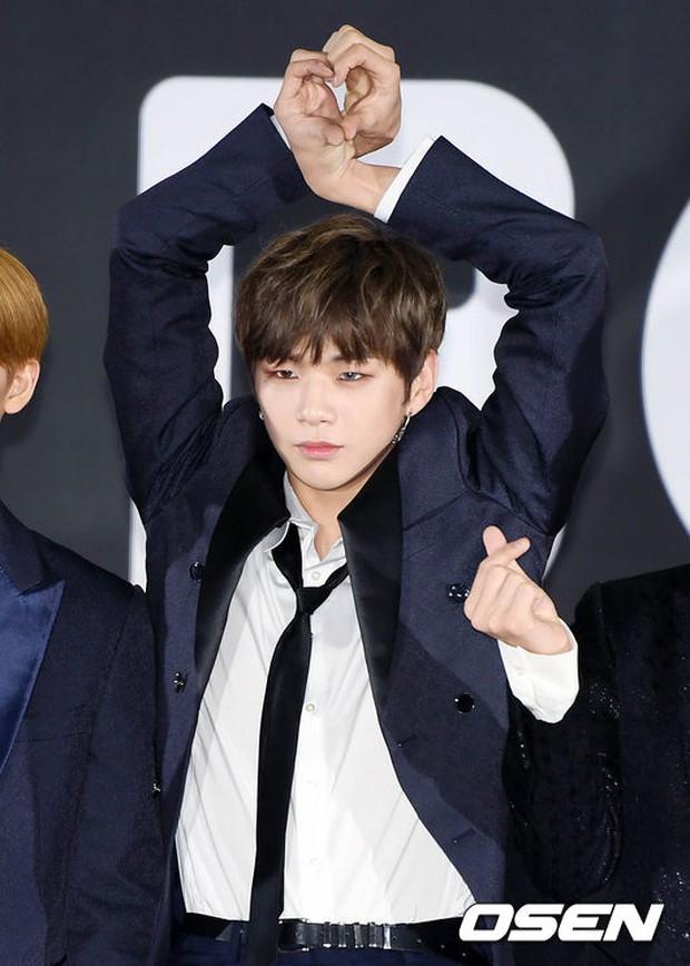 Thảm đỏ Busan: Quân đoàn mỹ nam hot nhất Kpop đổ bộ, nhưng mặt của Kim So Hyun và Naeun sao thế này? - Ảnh 15.