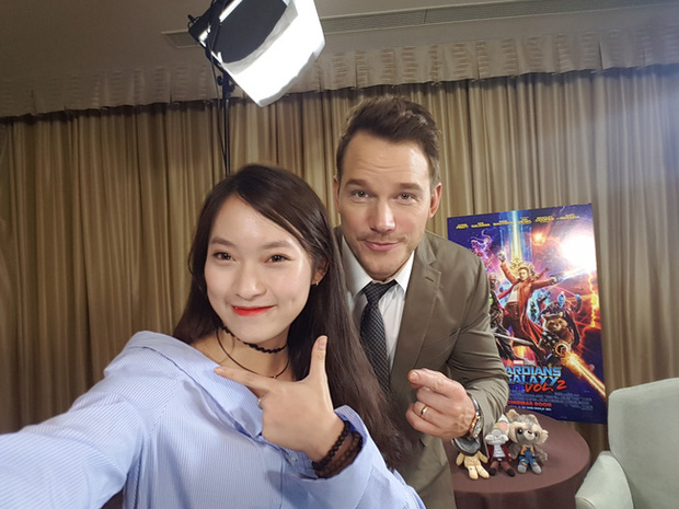 Không chỉ phỏng vấn trực tiếp, Khánh Vy còn tự tin rap dành tặng tài tử Hollywood Chris Pratt - Ảnh 2.