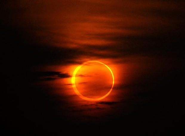 Ngày mai, hiện tượng kỳ thú vòng tròn lửa rực sáng trên bầu trời - Ảnh 1.