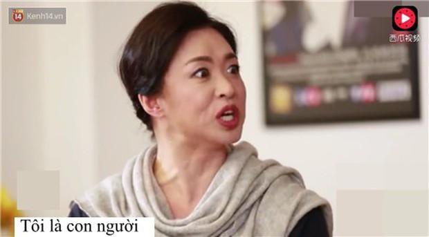 Lời đáp trả bá đạo vỏn vẹn 4 chữ của MC chuyển giới Trung Quốc nhận cơn mưa lời khen của netizen - Ảnh 2.