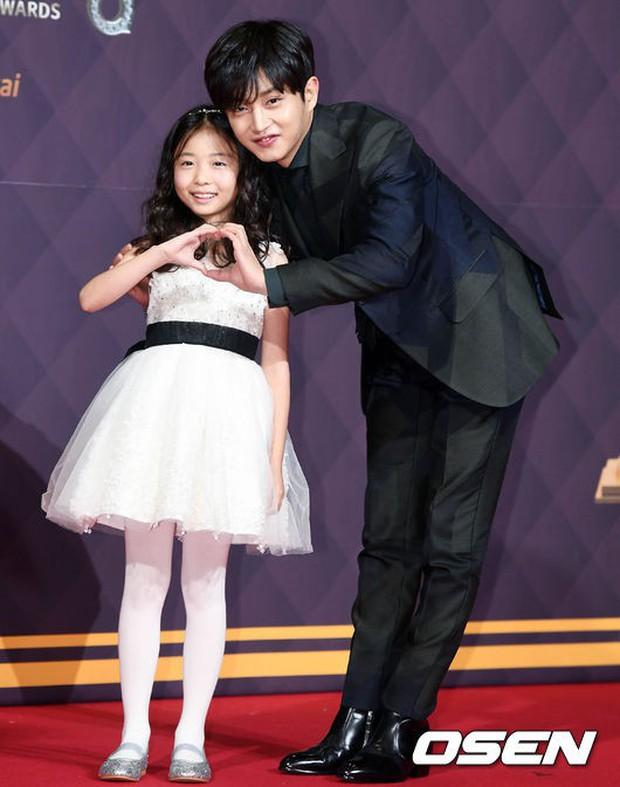 Thảm đỏ SBS Drama Awards: Nữ thần Suzy cân cả Yuri và dàn mỹ nhân hàng đầu Kpop, cặp vợ chồng Jisung quyền lực xuất hiện - Ảnh 33.