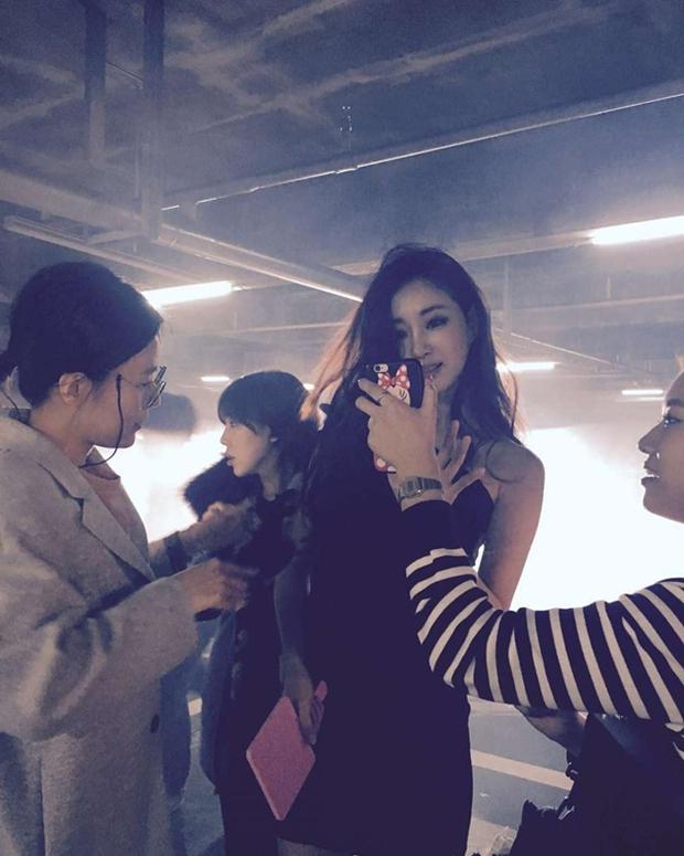 Khi mỹ nhân Hàn khoe body nóng bỏng và bạn không tin nổi đây chỉ là ảnh hậu trường chưa chỉnh sửa - Ảnh 3.