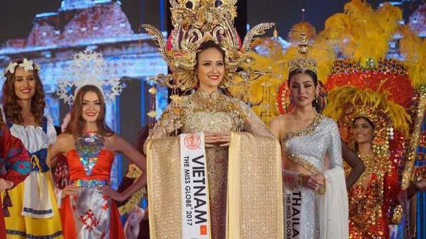 Khánh Ngân xuất sắc vượt qua 61 đối thủ đăng quang Miss Globe (Hoa hậu Hoàn cầu 2017) - Ảnh 2.
