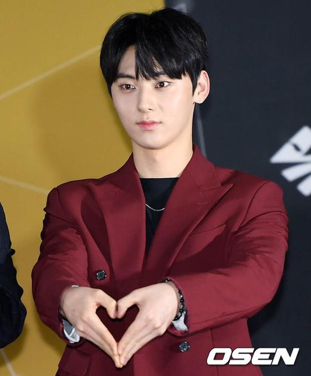 Thảm đỏ Busan: Quân đoàn mỹ nam hot nhất Kpop đổ bộ, nhưng mặt của Kim So Hyun và Naeun sao thế này? - Ảnh 17.