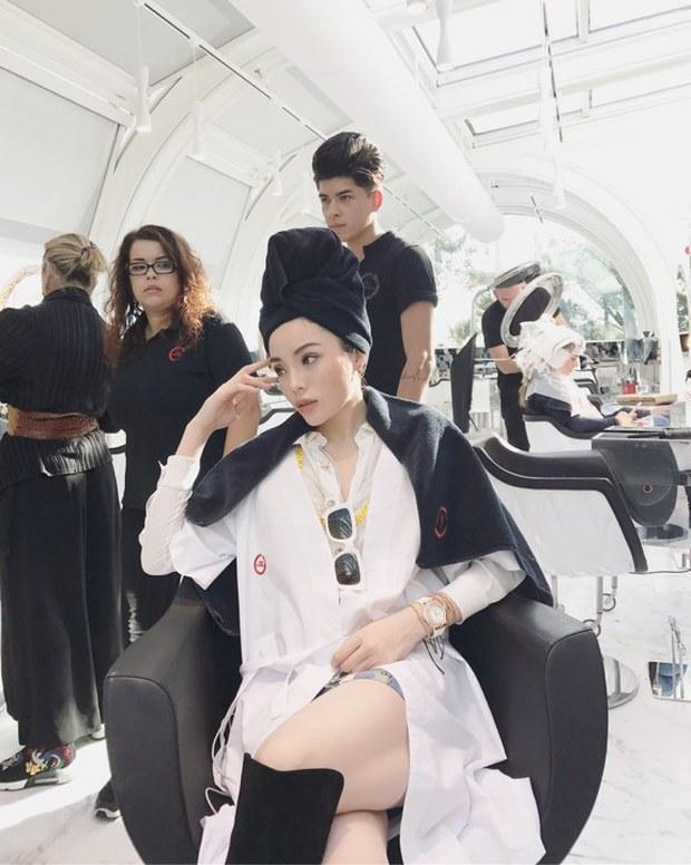 Tới Milan Fashion Week, Kỳ Duyên đầu tư kỹ lưỡng và xuất hiện ngay trên hàng ghế đầu show Moschino - Ảnh 13.