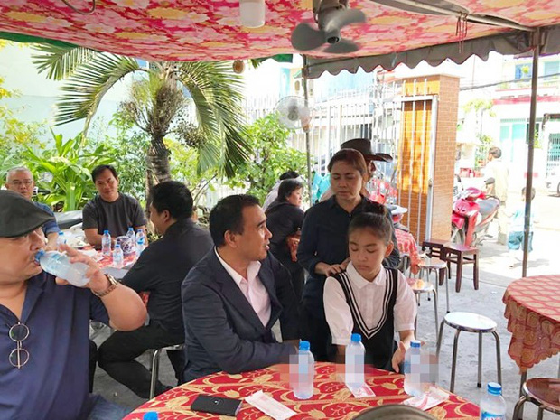 MC Quyền Linh cùng nhiều đồng nghiệp tới viếng diễn viên Nguyễn Hoàng - Ảnh 2.
