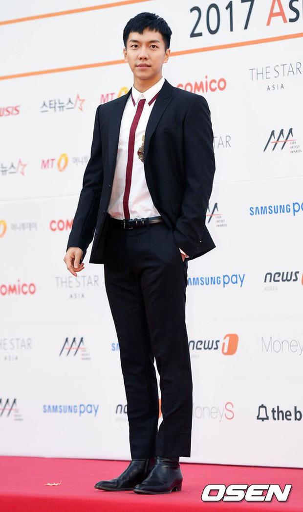 Asia Artist Awards bê cả showbiz lên thảm đỏ: Yoona, Suzy lép vế trước Park Min Young, hơn 100 sao Hàn lộng lẫy đổ bộ - Ảnh 47.