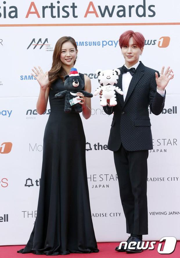 Asia Artist Awards bê cả showbiz lên thảm đỏ: Yoona, Suzy lép vế trước Park Min Young, hơn 100 sao Hàn lộng lẫy đổ bộ - Ảnh 25.