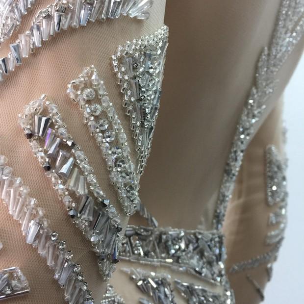 Chiếc đầm đẹp nhất của Lý Nhã Kỳ tại Cannes: rẻ hơn hàng hiệu quốc tế rất nhiều! - Ảnh 13.