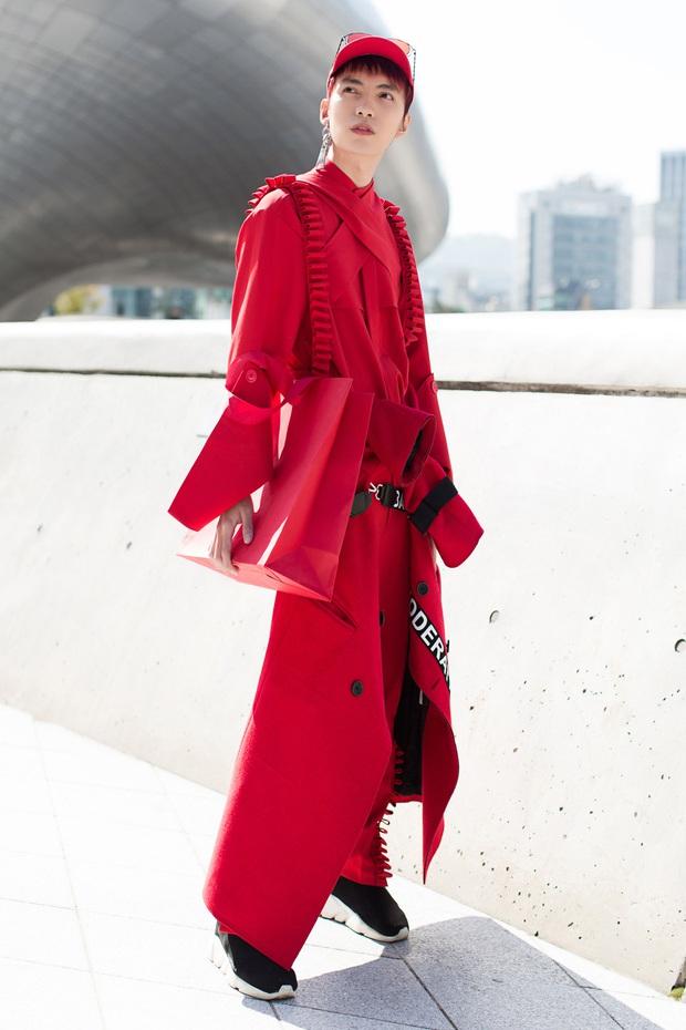 Ninh Dương Lan Ngọc quái đến không nhận ra, Hoa hậu Jolie Nguyễn sexy tại Seoul Fashion Week - Ảnh 12.