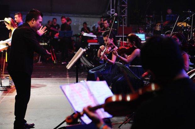 Dàn nhạc tư nhân Maius Philharmonic biểu diễn trong khuôn khổ chương trình của dàn nhạc Giao hưởng London - Ảnh 3.