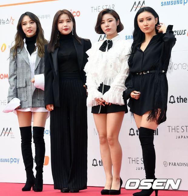 Asia Artist Awards bê cả showbiz lên thảm đỏ: Yoona, Suzy lép vế trước Park Min Young, hơn 100 sao Hàn lộng lẫy đổ bộ - Ảnh 65.