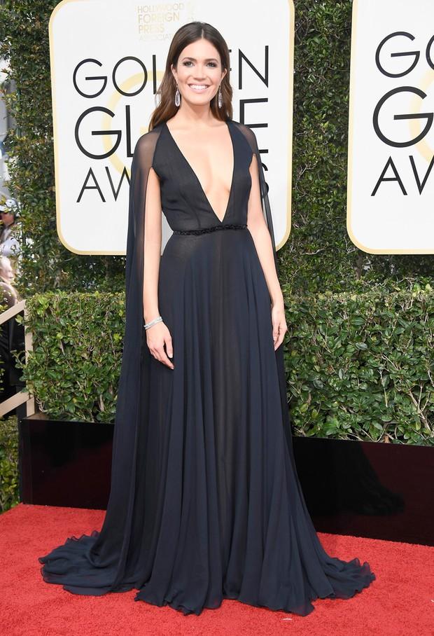 Thảm đỏ Quả Cầu Vàng 2017: Lily Collins đẹp như công chúa, đánh bật dàn Hoa hậu, mỹ nhân Hollywood - Ảnh 26.