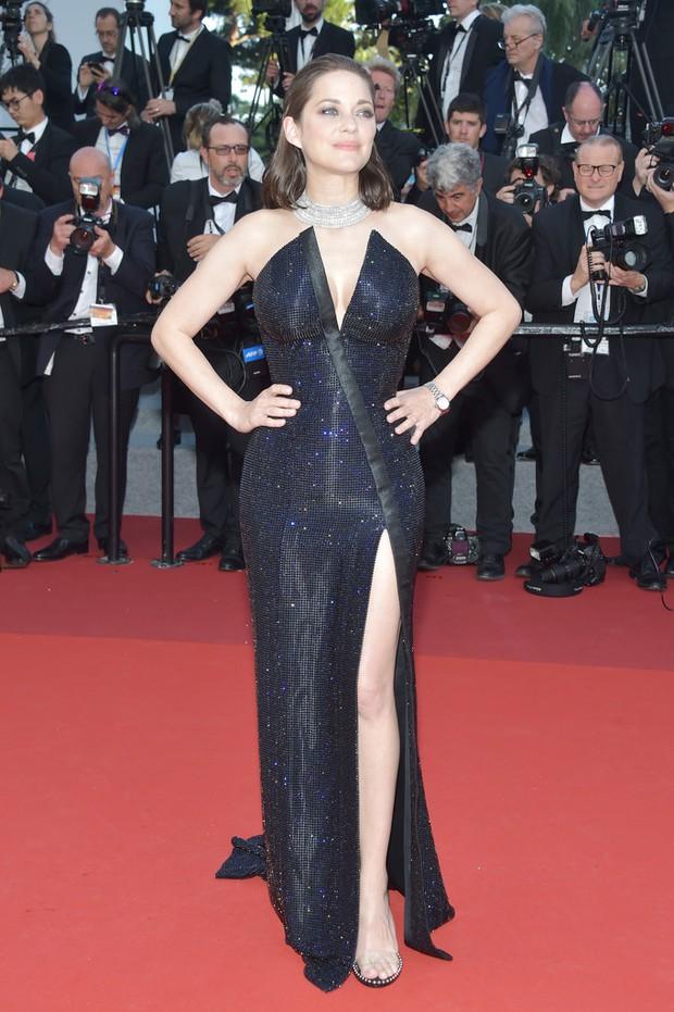 Phạm Băng Băng gây thất vọng, bị Elle Fanning dìm hàng toàn tập tại Cannes! - Ảnh 23.