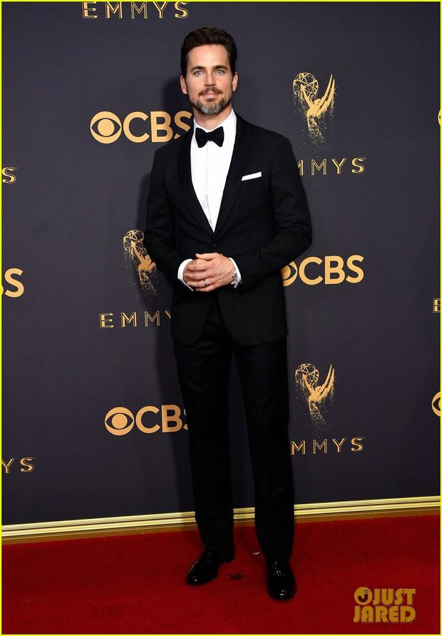 Thảm đỏ Emmy 2017: Dàn mỹ nhân xúng xính váy áo lộng lẫy như những công chúa, bà hoàng trong cổ tích - Ảnh 29.