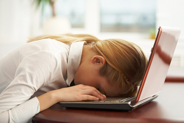 Người hay dùng máy tính cần né ngay những điều sau kẻo gây hại sức khỏe - Ảnh 4.