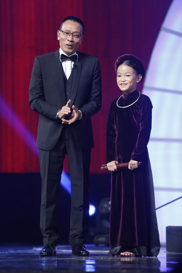 Đầu bếp nhí 7 tuổi gây sốt The Ellen Show xuất hiện đáng yêu trên truyền hình Việt! - Ảnh 8.