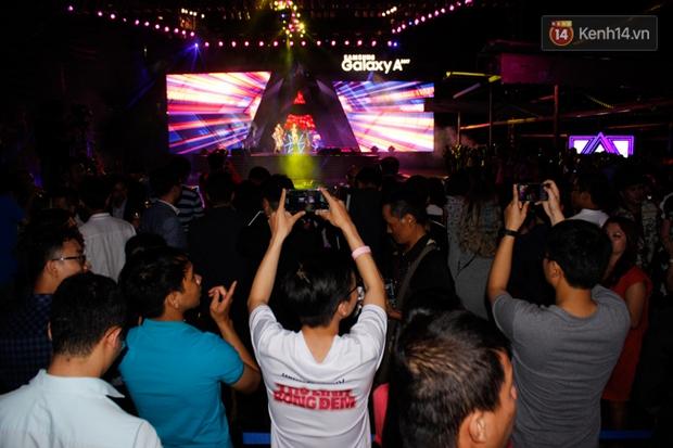 Pool party giao lưu với smartphone vừa diễn ra tưng bừng tại Sài Gòn và đây là những hình ảnh nóng nhất - Ảnh 18.