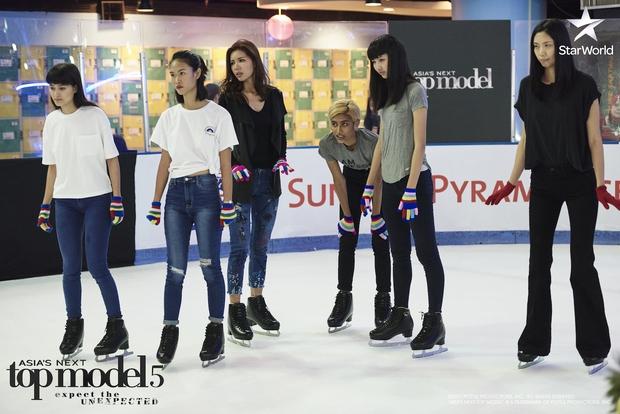 Minh Tú liên tục bị giám khảo Next Top châu Á nhắc nhở vì lúc nào cũng sexy - Ảnh 7.