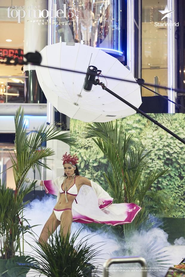 Minh Tú liên tục bị giám khảo Next Top châu Á nhắc nhở vì lúc nào cũng sexy - Ảnh 9.