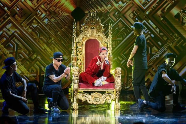 Miu Lê gạch chéo hình dương cầm, hát bài mới về Dương Cầm trên sân khấu Sao đại chiến - Ảnh 2.
