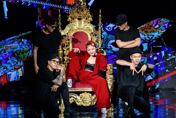Miu Lê gạch chéo hình dương cầm, hát bài mới về Dương Cầm trên sân khấu Sao đại chiến - Ảnh 4.