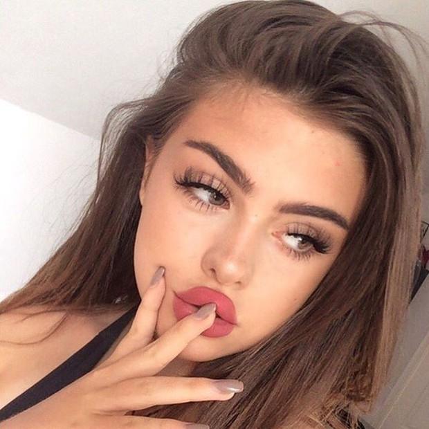 4 phương pháp siêu hot giúp bạn có ngay đôi môi tều gấp đôi bình thường - Ảnh 10.