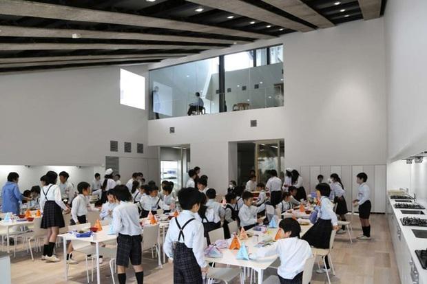 3 điều ấn tượng khiến bữa ăn trưa của học sinh Nhật Bản được nhiều người đánh giá là hoàn hảo nhất thế giới - Ảnh 1.