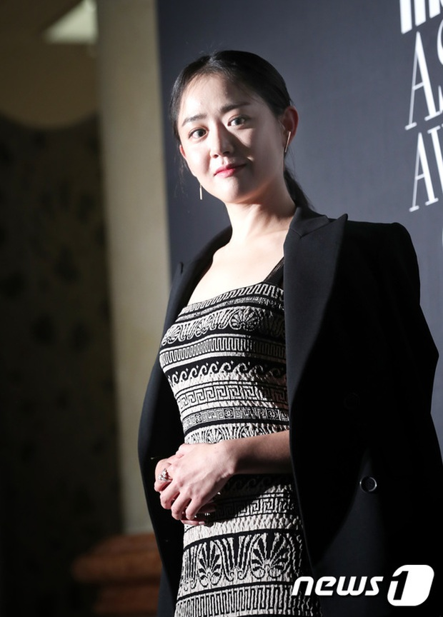 Thảm đỏ LHP Busan: Yoona lộ chân gầy như sắp gãy, Moon Geun Young dọa fan, sao nhí Dream High lột xác - Ảnh 8.